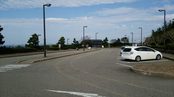 石川県志賀町にある大型駐車場_滝ロードパーク