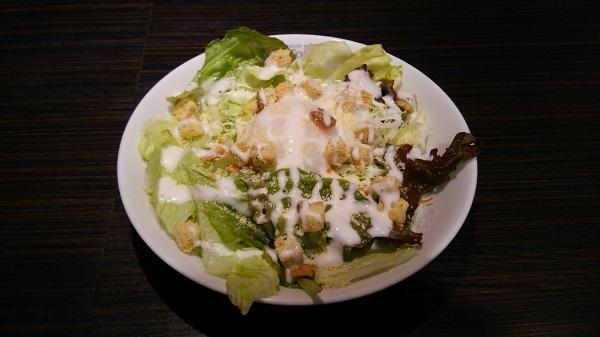 カレーハウスCoCo壱番屋のシーザーサラダ+半熟タマゴ