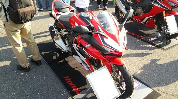 2017年全日本ロードレース最終戦開催時の鈴鹿サーキットに展示されていたCBR250RR