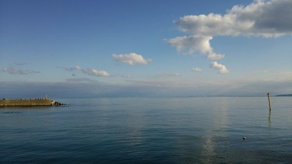 国道160号線から見える海