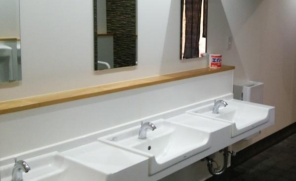 石川県の道の駅の『千枚田ポケットパーク』のトイレの洗面所