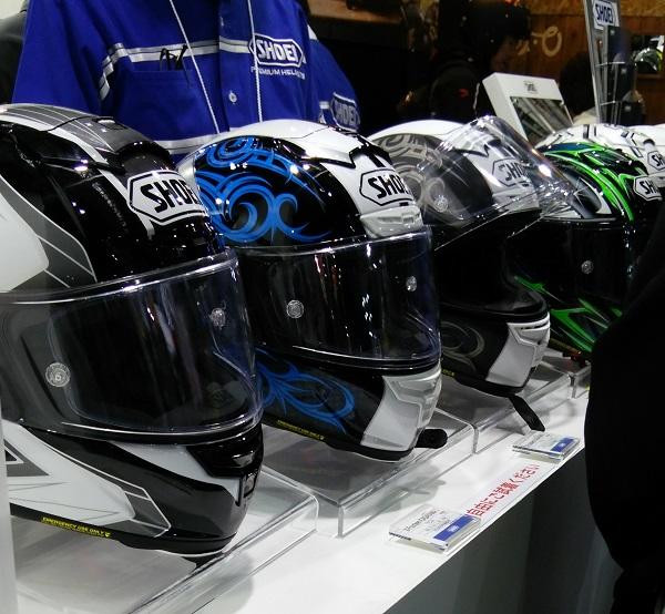 大阪モーターサイクルショーで展示されていたSHOEIのヘルメットのX-Fourtenn