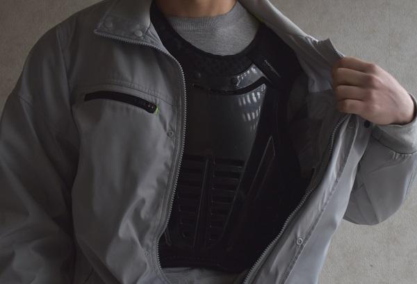 ワークマンのジャケットとコミネのプロテクター