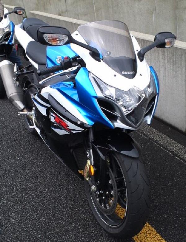 スズキのリッタースーパースポーツバイクのGSX-R1000
