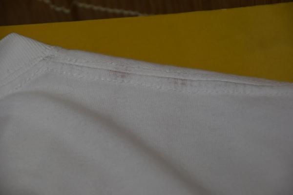 Tシャツ チューブの跡