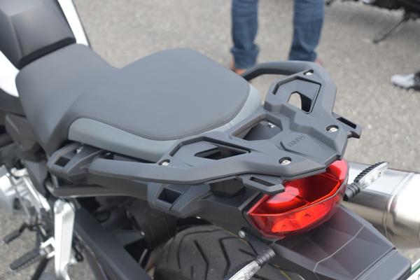 BMW アドベンチャーバイク F750GS ライト・ホワイト リアキャリア リアシート