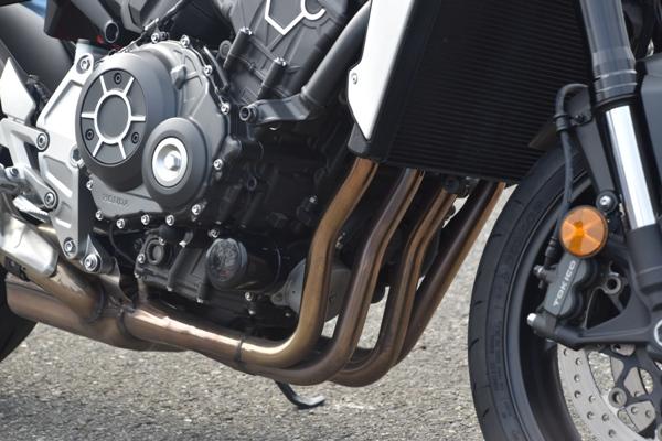 ホンダ バイク ネイキッド CB1000R 2019年式 ソードシルバーメタリック エンジン エキパイ周り