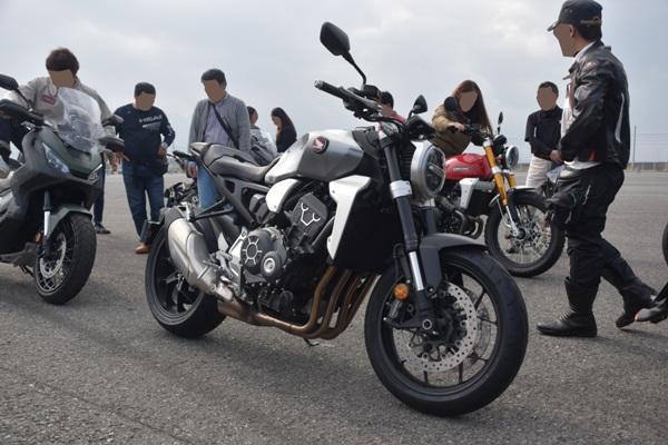 ホンダ バイク ネイキッド CB1000R 2019年式 ソードシルバーメタリック