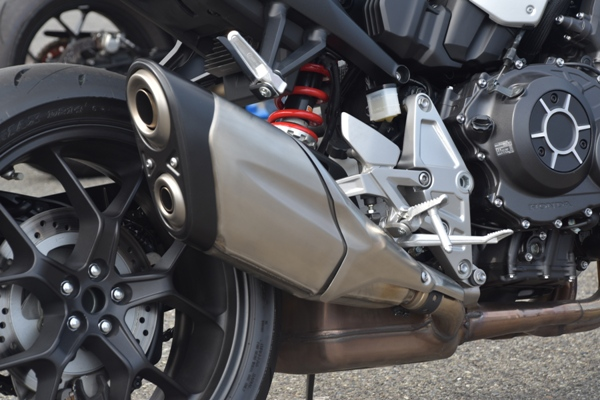 ホンダ バイク ネイキッド CB1000R 2019年式 ソードシルバーメタリック サイレンサー