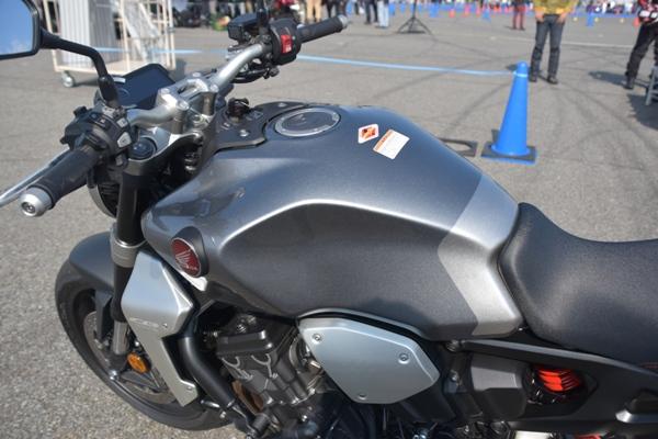 ホンダ バイク ネイキッド CB1000R 2019年式 ソードシルバーメタリック タンク