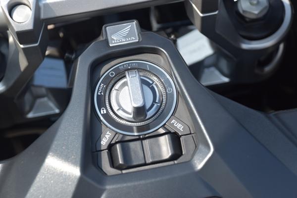 ホンダ バイク スクーター X-ADV 2019年式 マットアーマードグリーンメタリック SMART Key システム