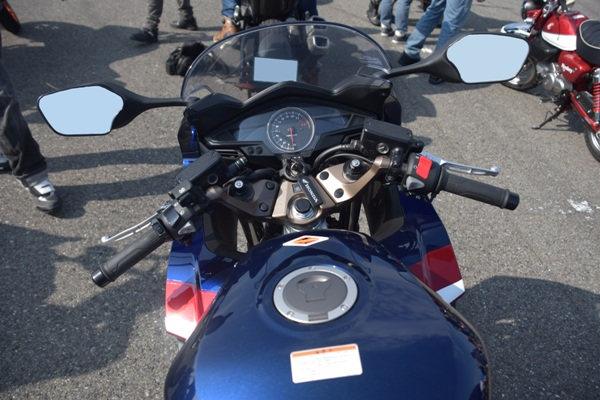 ホンダ バイク VFR800F パールグレアホワイト 2019年式 ハンドル メーター周り
