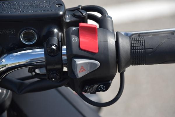 バイク ホンダ ネイキッド CB400 SUPERBOL'DOR ダークネスブラックメタリック スイッチボックス