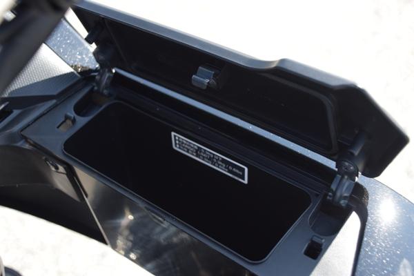 バイク ホンダ ネイキッド CB400 SUPERBOL'DOR ダークネスブラックメタリック 収納ボックス
