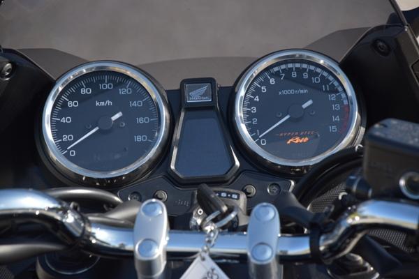 バイク ホンダ ネイキッド CB400 SUPERBOL'DOR ダークネスブラックメタリック メーター