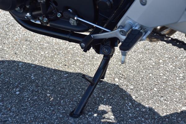 バイク ホンダ ネイキッド CB400 SUPERBOL'DOR ダークネスブラックメタリック スタンド周り
