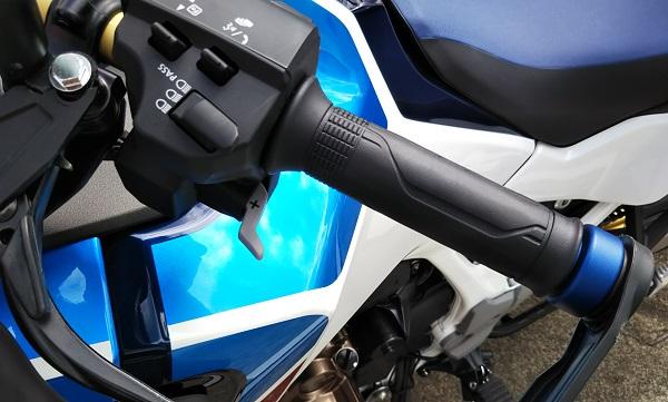 アドベンチャーバイク ハンドル DCT