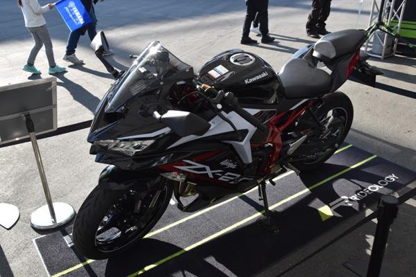 カワサキ バイク 250cc Ninja ZX-25R SE