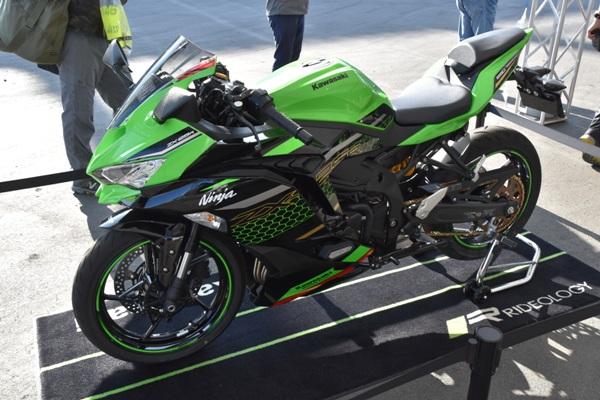 カワサキ バイク 250cc Ninja ZX-25R SE KRT edition