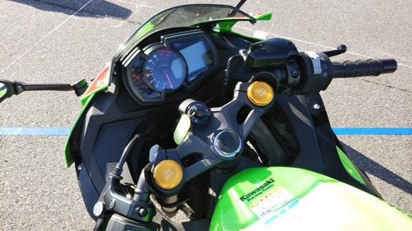 カワサキ バイク 250cc Ninja ZX-25R SE KRT edition ハンドル周り