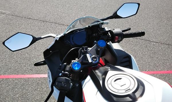 ホンダ バイク 250cc二気筒 CBR250RR